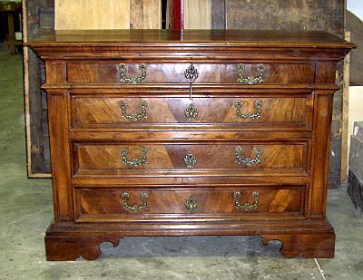 Restauro mobili antiquariato compro vendo arredamento antico for Compro mobili antichi
